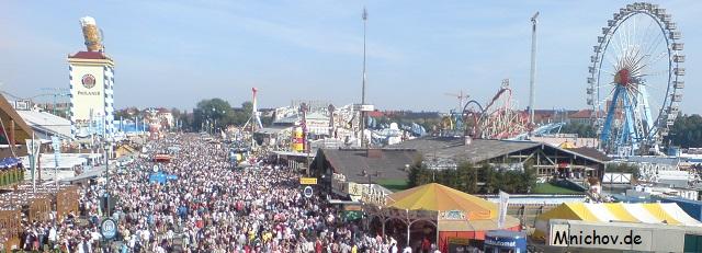 Soubor:Oktoberfest v Mnichove - vyhled.jpg